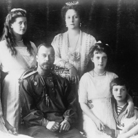 Familia Romanov. Asasinat, revolutie si prabusirea Rusiei imperiale - Editura Art - {recenzie}